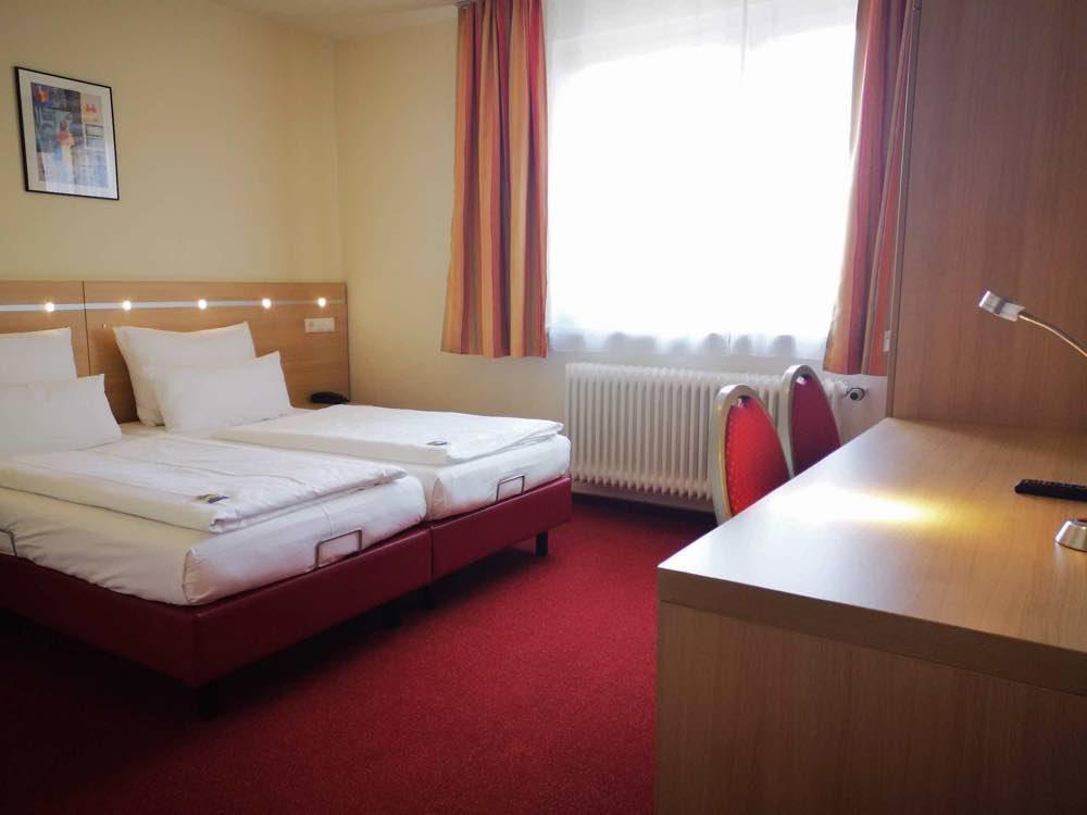 zimmer-im-hotelscholz-in-koblenz-moselweiss